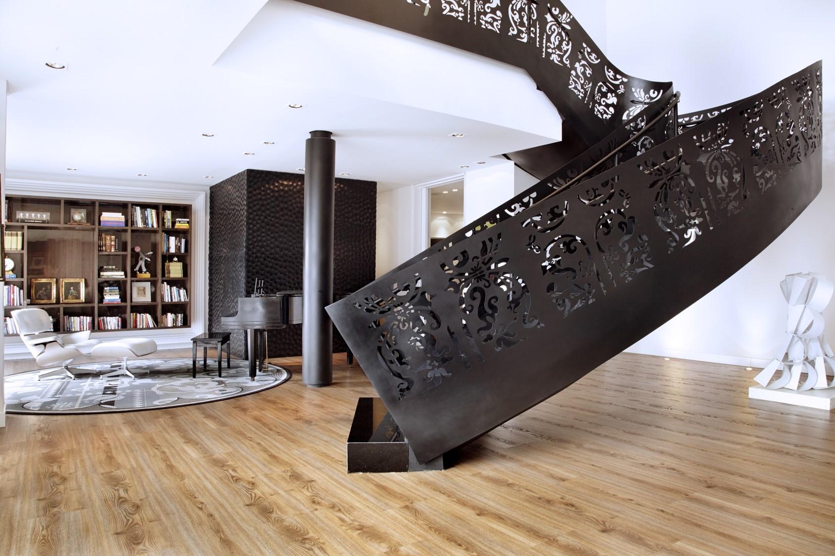 bosque izquierdo escalera